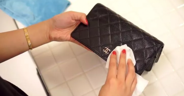 How to preserve leather items