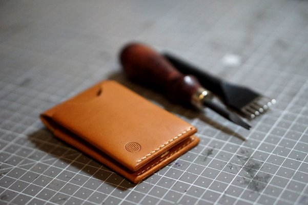 How to make a leather bifold wallet