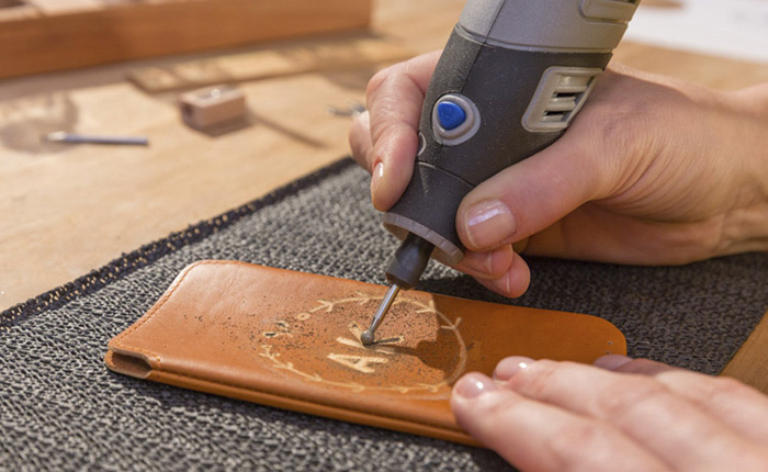 How to engrave leather by hand
