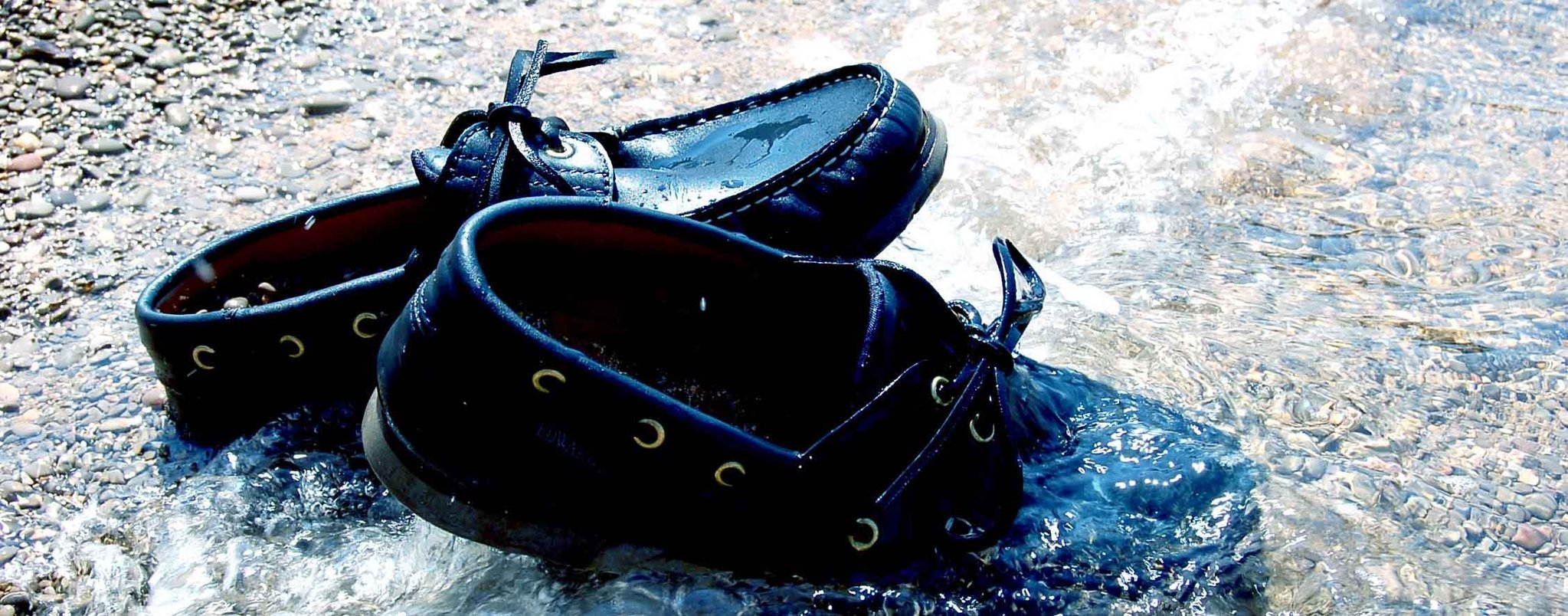 How to dry wet leather
