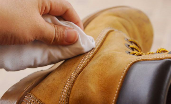 How to Clean Leather Boots