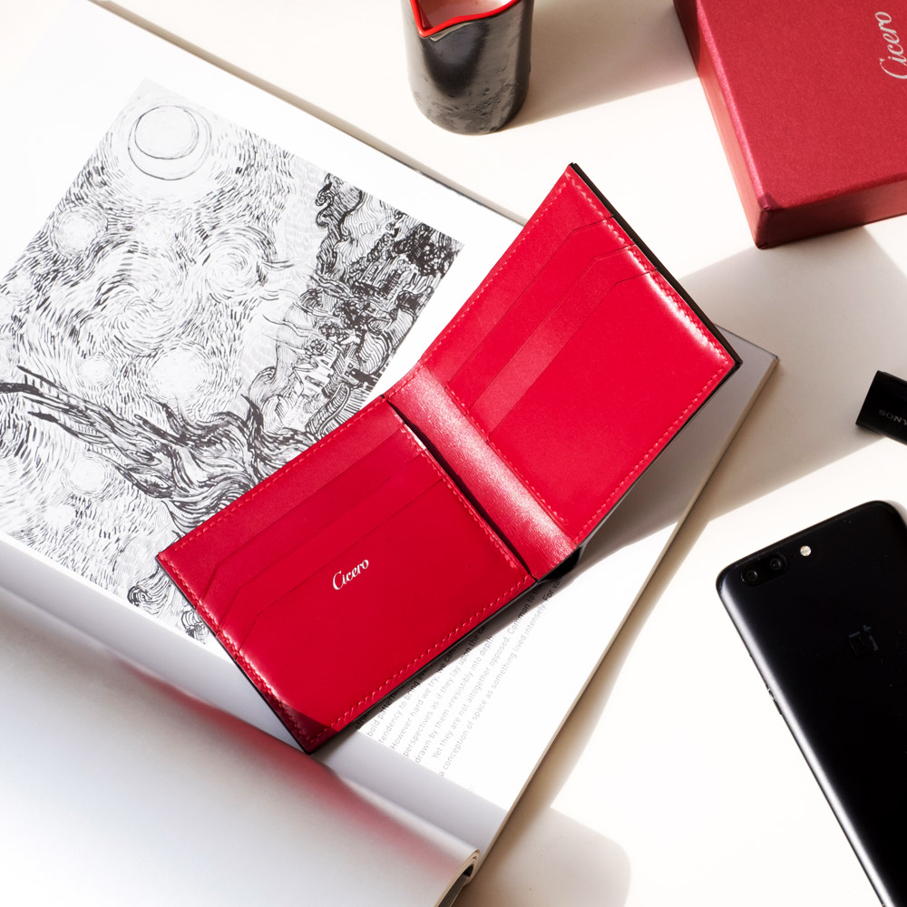 Christmas gifts with leather wallets