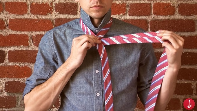 How To Tie A famous Four-in-Hand Knot tie