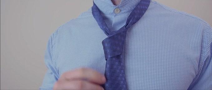 How to tie a Victoria tie