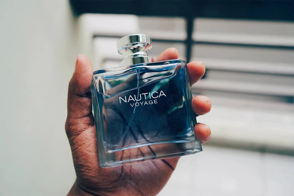 Perfumes are exactly great gifts, especially in the era of civilization and development today