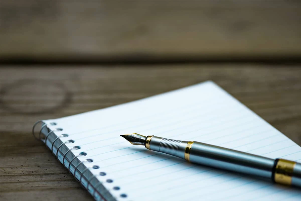 The fact that not every man has the habit of using pens and notebooks, especially in the age of technology, when smartphones and laptops are gradually replacing.